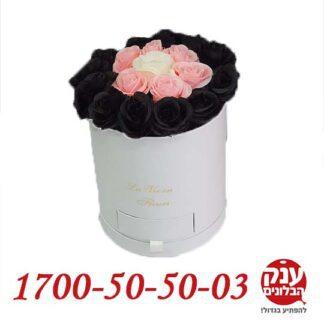 פרחים בקופסא שחור ורוד